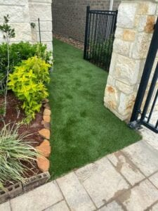 putting turf in between homes